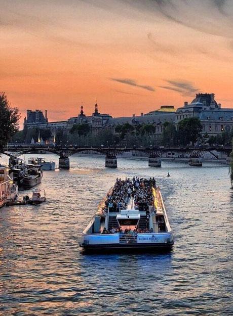 Paris, la ville fêtarde